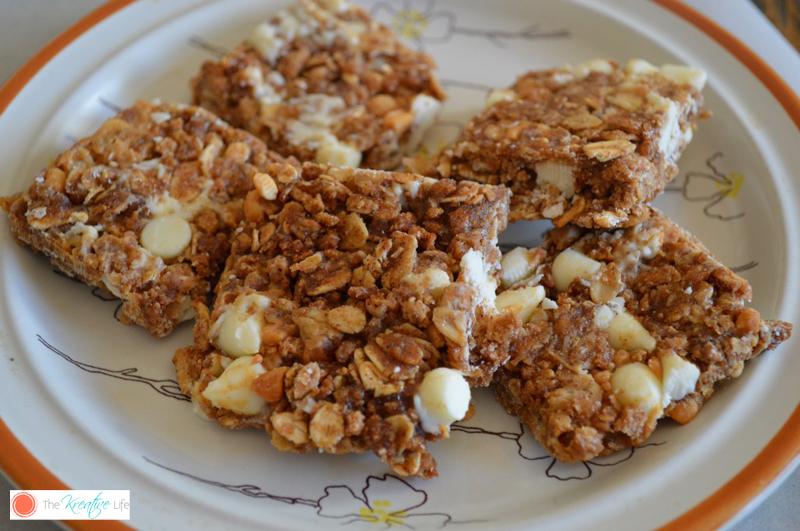 No Bake White Chocolate Chip & Peanut Granola Bars