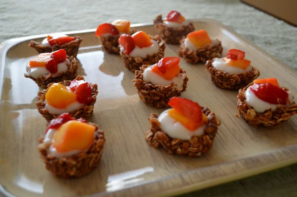 Fruit-Topped-Yogurt-Granola-Cups2