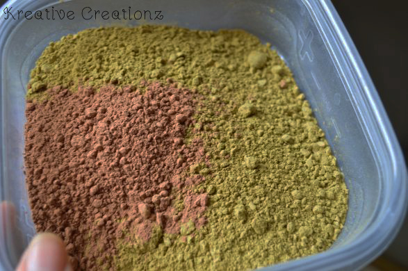I recently learned that using henna as hair dye has been around for ages. It's used as a diy natural hair dye that will give you permanent color. This easy tutorial will show you how to use henna to dye hair. - The Kreative Life