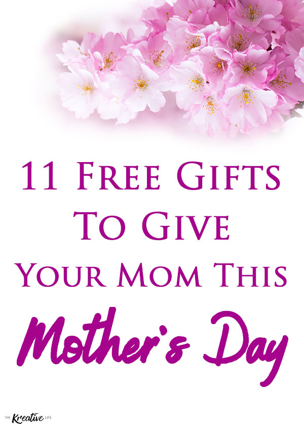 This guide is filled with free Mother's Day gifts to give your mom. It's not really an ultimate mother's day gift guide, but it's still pretty awesome knowing that you're giving her Mother's Day gifts that don't cost anything and she'll love them! - The Kreative Life
