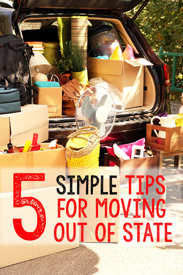 Relocating out of state can be hard. Whether it's for a new job, college, or needing tips for a military move, this simple moving checklist will guide you into the next chapter of your life.